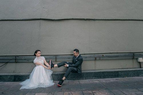 Andy và cô dâu Momo đã trở thành tâm điểm của cộng đồng sneaker châu Á bởi bộ ảnh cưới mang phong cách sneaker cực độc