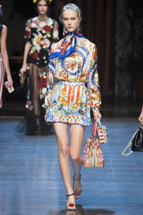 Chiếc áo có giá 1.295 USD (gần 30 triệu), quần 995 USD (gần 23 triệu), giày khoảng 12 triệu. Như vậy tổng set đồ vào khoảng 65 triệu đồng.