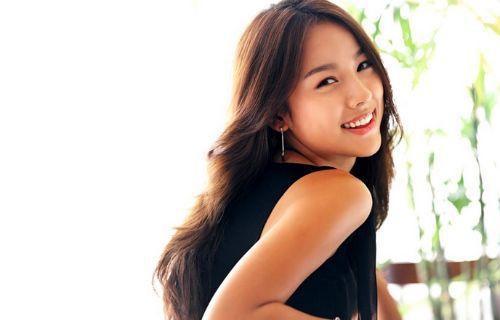 Còn ai có thể sở hữu nụ cười hở lợi mà vẫn cực kì thu hút như Madam Lee Hyori được đây nhỉ?