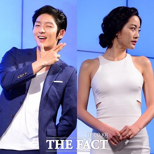 """Sau hơn 1 năm làm """"hoa có chủ"""", giờ """"Tứ hoàng tử"""" Lee Jun Ki lại trở về làm nam thần """"độc thân quyến rũ"""" của K-biz."""