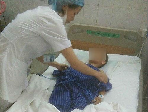 Cháu T. đang được điều trị tại bệnh viện. Ảnh: BVĐK Lạng Sơn.