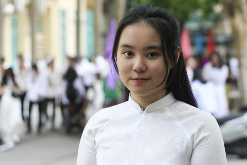 Lê Quỳnh Anh, thủ khoa ngành Sư phạm Toán dạy bằng tiếng Anh của Đại học Sư phạm Hà Nội. Ảnh: Dương Tâm