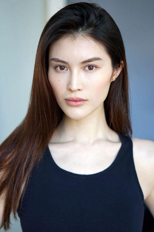 Gương mặt xinh đẹp của cô siêu mẫu Trung Quốc 29 tuổi cao 1,79m
