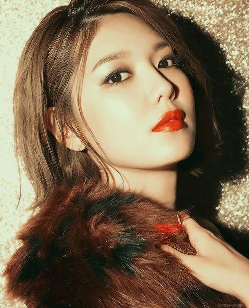 YoonA được so sánh với huyền thoại Audrey Hepburn  Sooyoung (SNSD) dạy bạn trai Jung Kyung Ho trên Instagram ảnh 6
