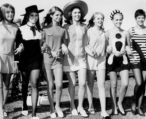 Thời trang nhân loại sinh ra để phụng sự Phụ nữ  cái rốn của vũ trụ ảnh 9