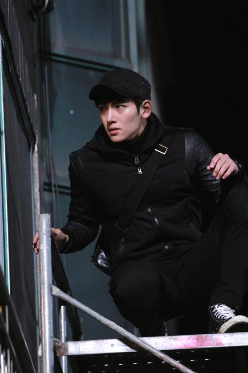 Ngoài Hoàng hậu Ki, đây là những bộ phim truyền hình phải xem của nam thần Ji Chang Wook! ảnh 12