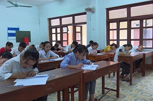 Thí sinh thi vào lớp 10 năm học 2019-2020 ở Quảng Bình. Ảnh: Quang Hà/ VnExpress.