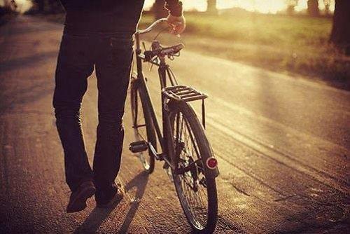 """Đằng sau những câu chuyện của cuộc đời luôn ẩn chứa một """"biển trời tri thức"""""""