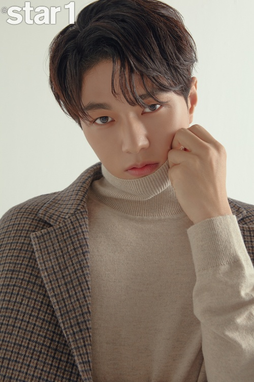 Trong bức tranh, Kim Myung Soo đã cho khán giả thấy nét duyên dáng độc đáo với tư cách là một diễn viên chứ không phải là ca sĩ thần tượng. Anh đã thể hiện được diễn xuất mới vẻ như một thiên thần đáng yêu.