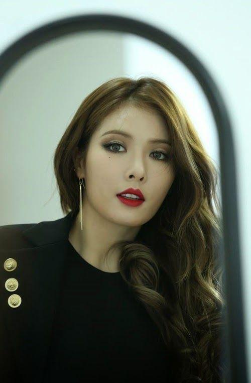 Fan rất mừng cho thành tích mới của HyunA.