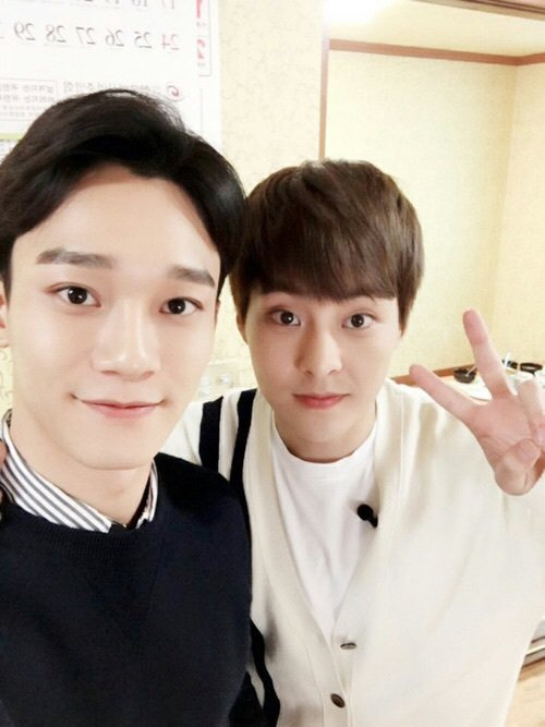 Chắc hẳn Chen cũng đã rất nhớ Xiumin.