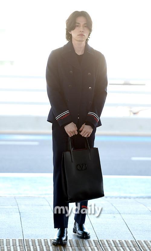 Phá vỡ hình ảnh thần chết, Lee Dong Wook khiến dân tình vote đóng Joker bản Hàn Quốc ảnh 2