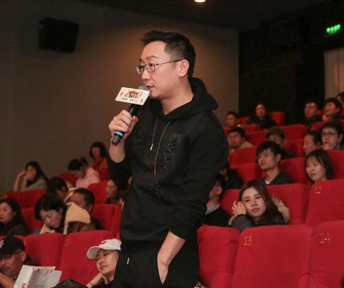 Dịch Dương Thiên Tỉ tiếp tục được đạo diễn khác khen ngợi: Diễn xuất không hề giống idol đóng phim ảnh 2