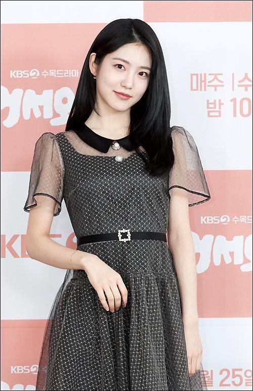 Shin Ye Eun tình tứ bên L (Infinite) tại họp báo phim giả tưởng chàng mèo hóa người ảnh 12