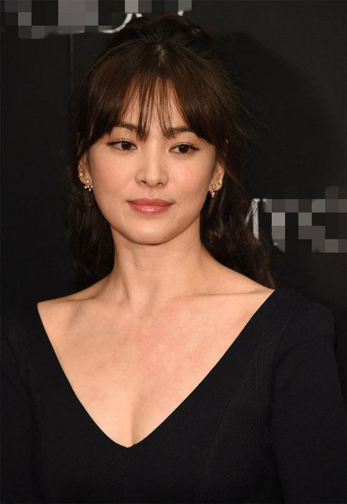Song Hye Kyo rạng rỡ tại sự kiện bất chấp mọi góc chụp thì nhan sắc vẫn không thể nào bị dìm