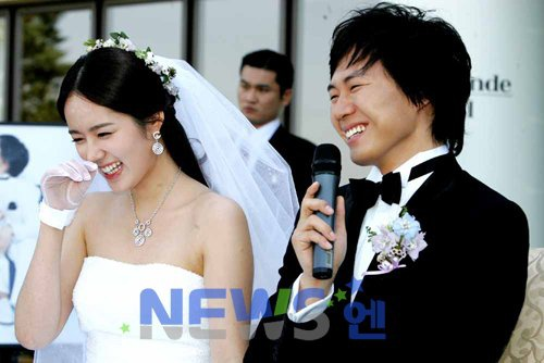 10 cặp đôi,     vợ chồng nổi tiếng nhất Kbiz: Jung Kyung Ho tặng Sooyoung (SNSD) 1000 bông hồng ảnh 9