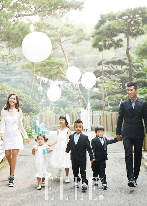 10 cặp đôi, vợ     chồng nổi tiếng nhất Kbiz: Jung Kyung Ho tặng Sooyoung (SNSD) 1000 bông hồng ảnh 11