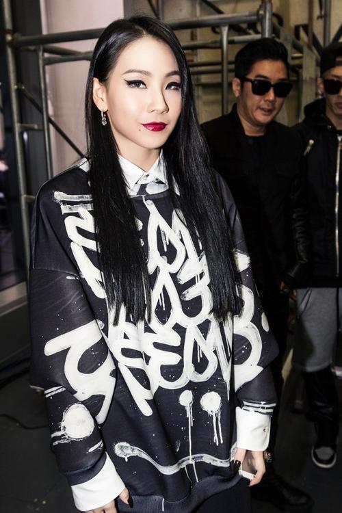 Những nữ rapper Hàn khiến fan mê đắm với style 'gái hư' không ngại khoe thân hình bốc lửa Ảnh 7