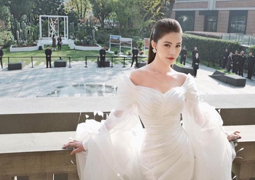Lynk Lee đụng hàng Khánh Vân - Ninh Dương Lan Ngọc: Một chiếc váy, 3 mỹ nhân nhưng duy nhất một số phận! Ảnh 5