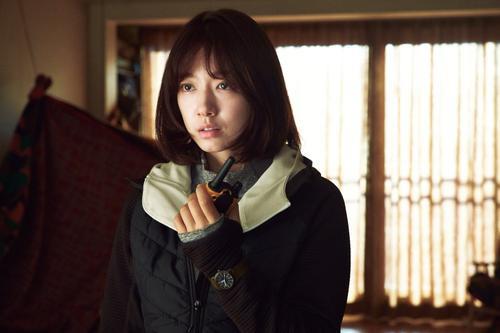 #Alive: Yoo Ah In và Park Shin Hye sợ hãi, cô đơn đến tận cùng, cố gắng giành sự sống Ảnh 12