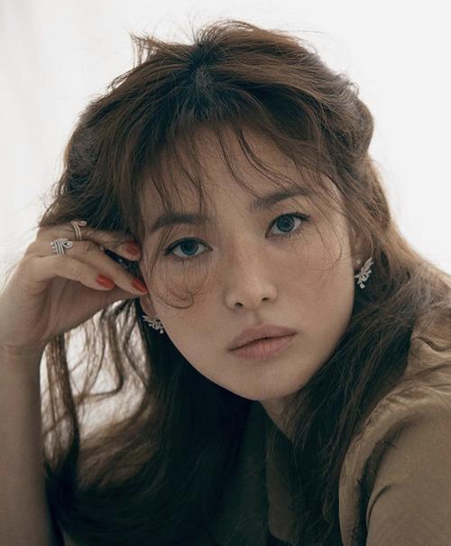 Tròn 1 năm ly hôn, Song Hye Kyo - Song Joong Ki có quá nhiều thay đổi: Người khen, kẻ chê! Ảnh 8