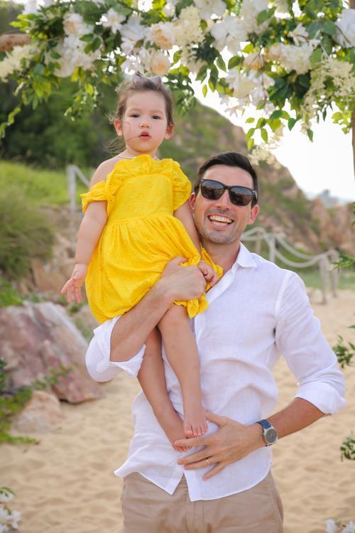 Con gái siêu mẫu Hà Anh mừng sinh nhật 2 tuổi, ngày càng ra dáng tiểu thư Ảnh 4