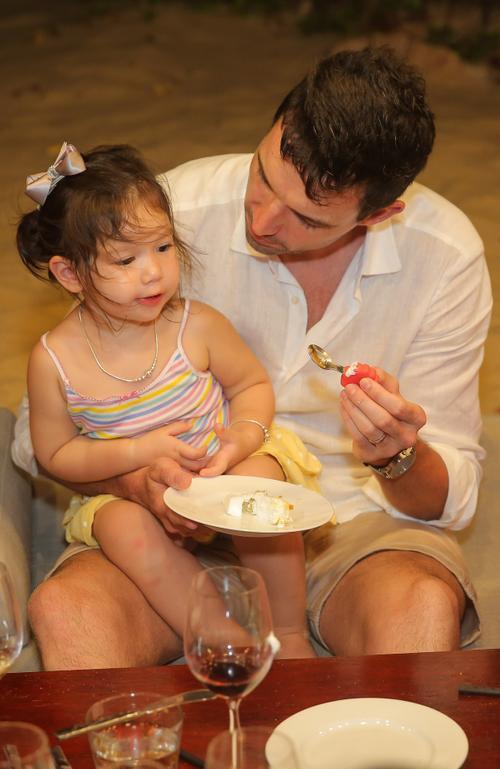 Con gái siêu mẫu Hà Anh mừng sinh nhật 2 tuổi, ngày càng ra dáng tiểu thư Ảnh 8