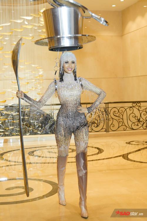 5 lý do khiến Trang phục dân tộc của Khánh Vân chinh chiến Miss Universe liên tục bị tố đạo nhái Ảnh 20
