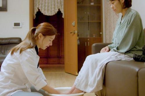Tròn 1 năm ngày Jeon Mi Seon tự tử, sao Hàn thương tiếc: 'Trái tim đau nhói' Ảnh 9