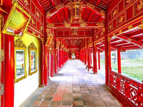 Bộ đôi NTK Vũ Ngọc và Son làm show tại đại nội Huế, thiết lập trạng thái bình thường mới trong làng thời trang Việt Ảnh 5
