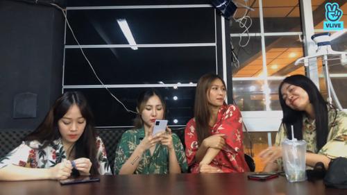 Toof.P (Uni5) bất ngờ bị hội chị em LipB 'bóc phốt' chuyện tình cảm ngay trên sóng livestream Ảnh 2