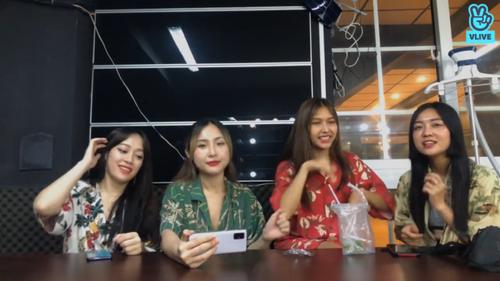 Toof.P (Uni5) bất ngờ bị hội chị em LipB 'bóc phốt' chuyện tình cảm ngay trên sóng livestream Ảnh 4