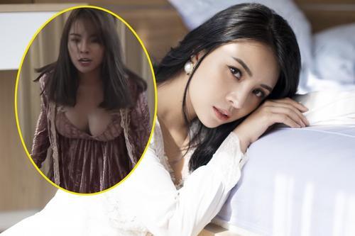 Mỹ nhân Việt nhận 'gạch đá' khi mặc phản cảm trên sóng truyền hình Ảnh 2