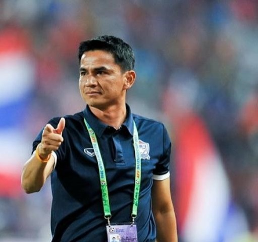 Kiatisak từng chê bai bóng đá Việt Nam rất nhiều.