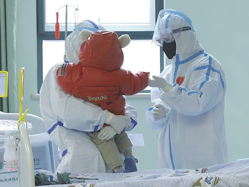 Một bé gái 9 tháng tuổi nhiễm virus corona ở Bắc Kinh đã được chưa khỏi. Ảnh minh họa: Tân Hoa xã