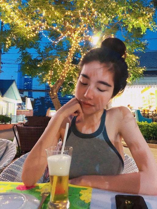 Nổi tiếng nóng bỏng nhất nhì Vbiz nhưng Elly Trần lại khiến fan lo lắng khi lộ xương xẩu hốc hác ảnh 6
