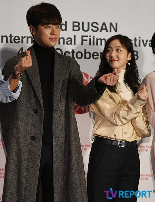 Vượt bão Kong-rey, Han Ji Min  Yoo Ah In, Joo Ji Hoon và Kim Go Eun gặp gỡ khán giả tại LHP Busan ngày 3 ảnh 10