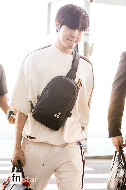 Chết cười với bộ ảnh thiếu ngủ của X1 tại sân bay, cùng Kim Jae Hwan (Wanna One) đến Nhật ảnh 2
