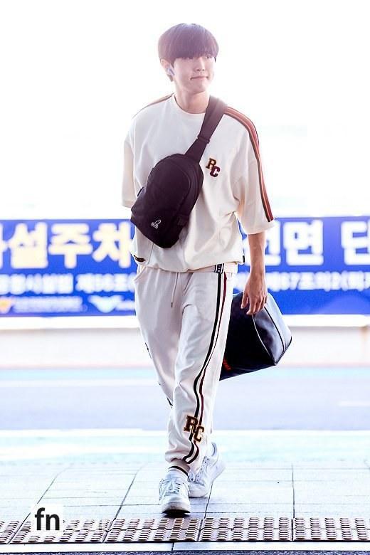 Chết cười với bộ ảnh thiếu ngủ của X1 tại sân bay, cùng Kim Jae Hwan (Wanna One) đến Nhật ảnh 1