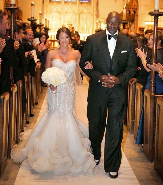 Tổng chi phí chi trả cho đám cưới lộng lẫy này là hơn 10 triệu USD.