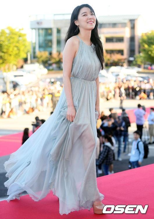 Nữ diễn viên Jo Woo Ri