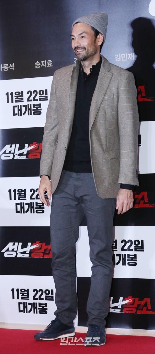 Ra mắt phim 'Unstoppable' của Song Ji Hyo  Ma Dong Seok: Nhiều nghệ sĩ tham dự, thành viên Running Man đều vắng mặt ảnh 27