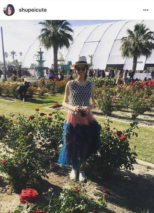 Tần Thư Bội tại sự kiện âm nhạc Coachella