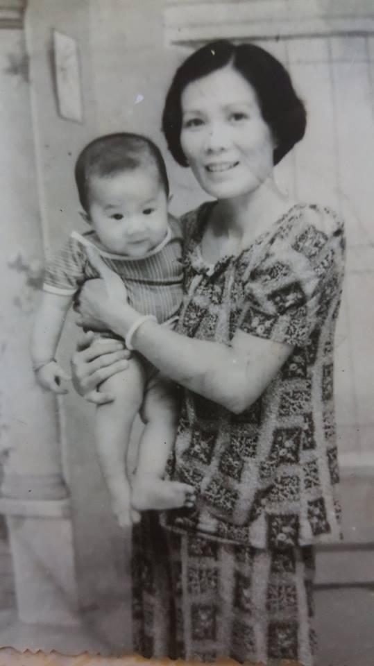 """Mẹ luôn nói với Mia: """"Trở thành một người phụ nữ không khó nhưng sống như một người phụ nữ muôn vàn khó khăn"""". Nhưng con bà vẫn lựa chọn bước đi con đường chông gai này."""