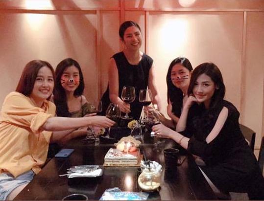 Ngọc Hân, Tú Anh, Đỗ Mỹ Linh cùng tụ họp chúc mừng sinh nhật Mai Phương Thúy