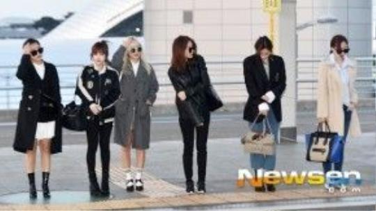 """""""Binh đoàn"""" T-ara đã đỗ bộ sân bay Tân Sơn Nhất chiều qua trong diện mạo đầy trendy như thế đấy."""