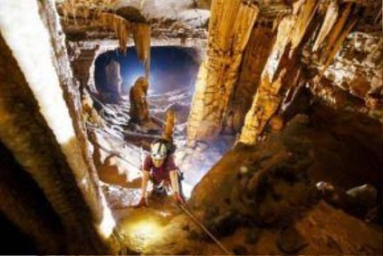 Hang động đẹp vừa được các nhà thám hiểm phát hiện tại Quảng Bình.