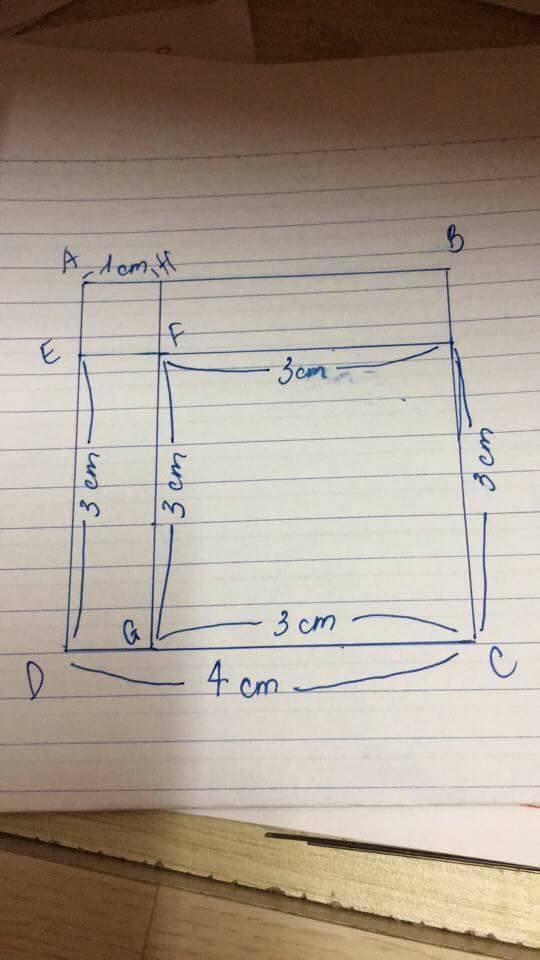 Một độc giả đã ngồi kẻ lại bài toán để chỉ ra có 3 hình vuông tất cả.