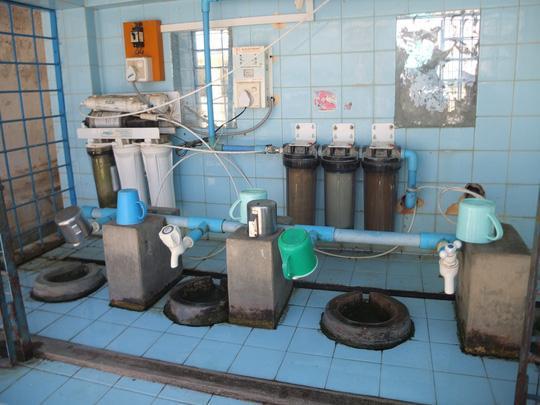 Hệ thống lọc nước uống hiện đại trong một ngôi chùa ở Mandalay
