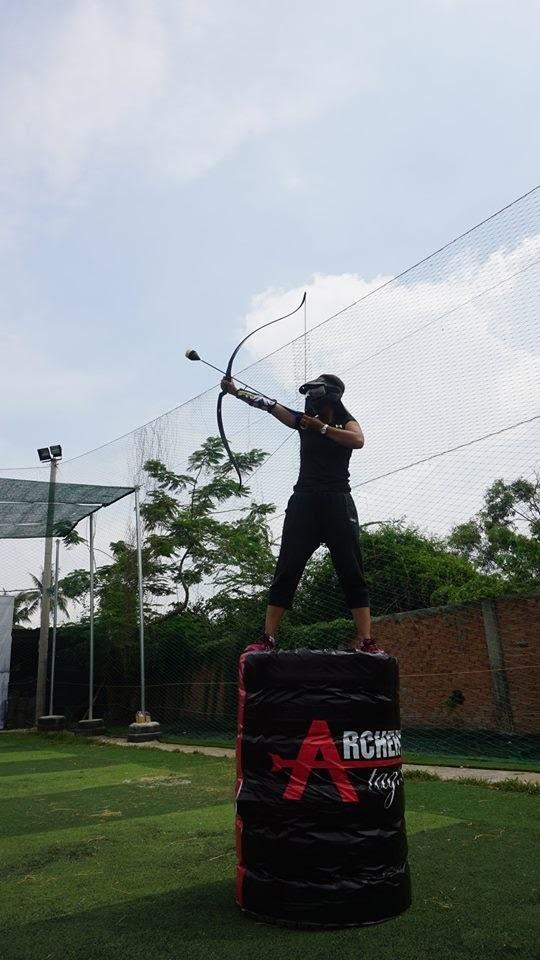 """Bạn Nguyễn Cao Hữu Khang – người thắng cuộc của một tuần đang check-in tại Archery Tag Vietnam. Khang chia sẻ: """"Ngày cuối tuần ra ngoài chơi bắn cung, ban đầu cứ nghĩ mệt lắm, ai dè phải nói là vui cực kỳ""""."""